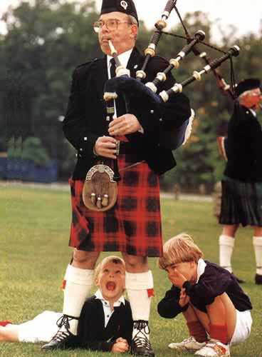 Picture link game. - Page 6 Bagpipes
