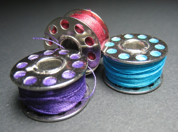 Bobbins_colored_thread